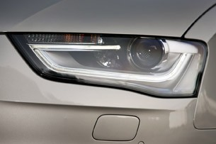 2013 Audi A4 headlight