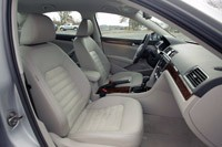 2012 Volkswagen Passat front seats