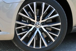 2013 Volkswagen CC wheel