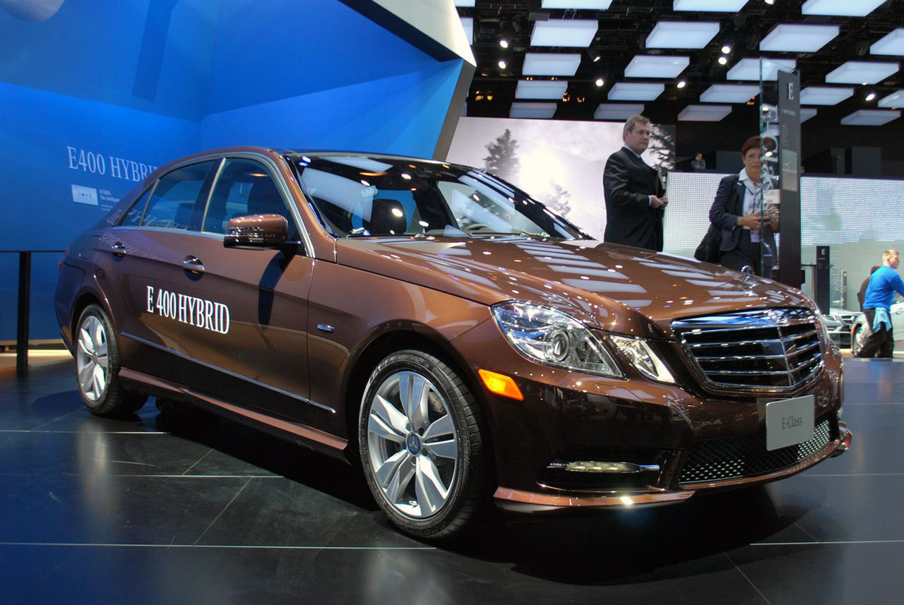 Mercedes benz e400 hybrid and e300 bluetec hybrid detroit for 2015 mercedes benz e400 hybrid