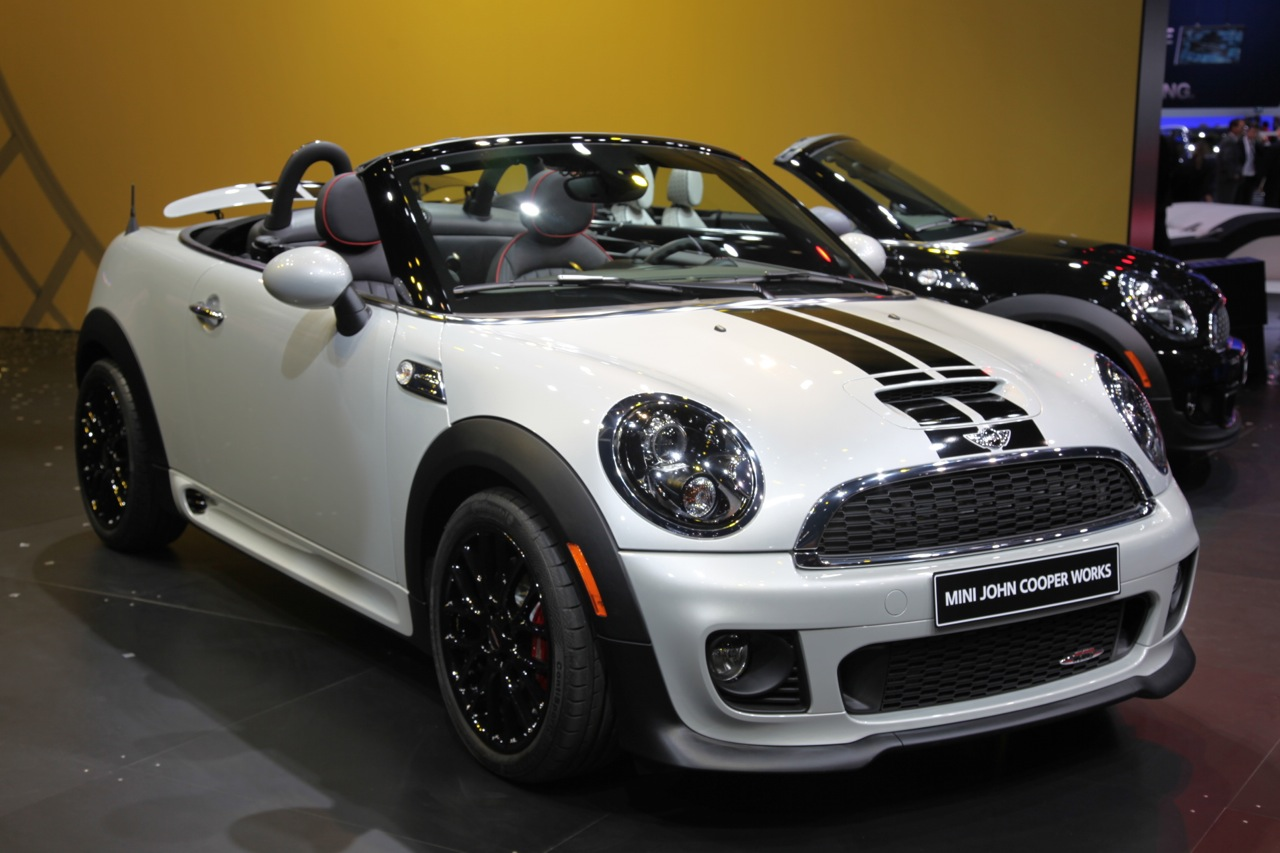 2013 mini roadster improves upon new coupe 39 s formula autoblog. Black Bedroom Furniture Sets. Home Design Ideas