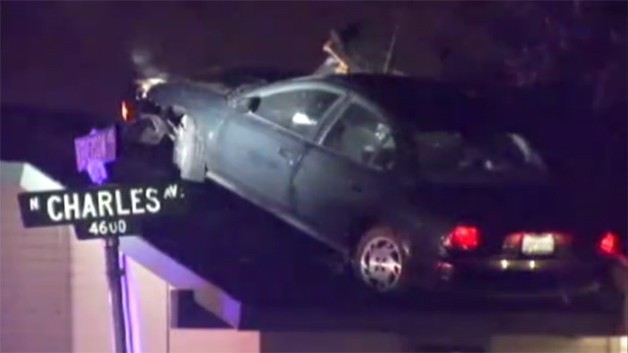 Car burglar lands Saturn upon Fresno roof