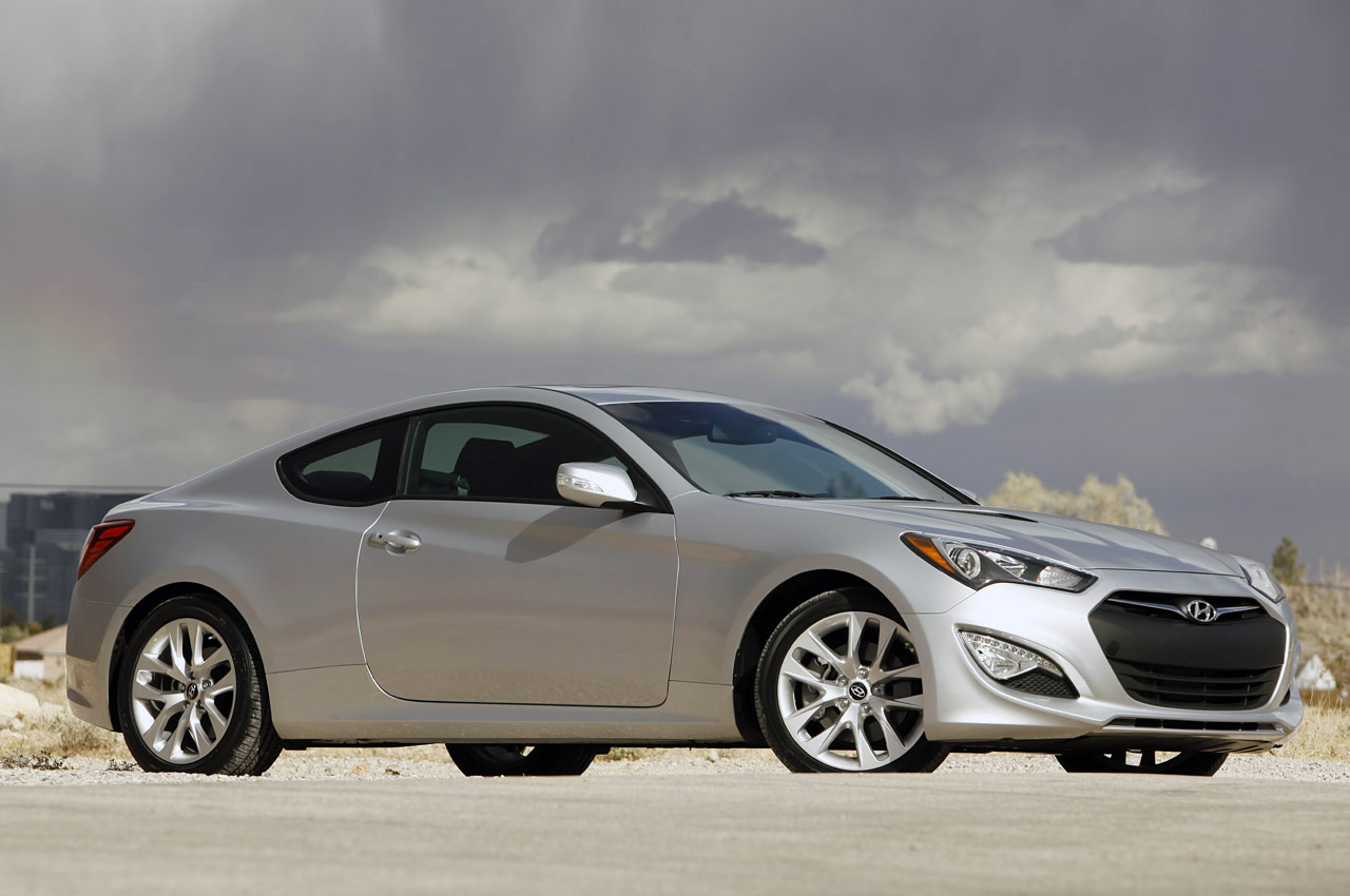 2013 hyundai genesis coupe first drive photo gallery. Black Bedroom Furniture Sets. Home Design Ideas
