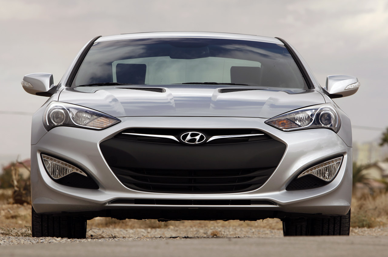 2013 hyundai genesis coupe first drive photo gallery autoblog. Black Bedroom Furniture Sets. Home Design Ideas
