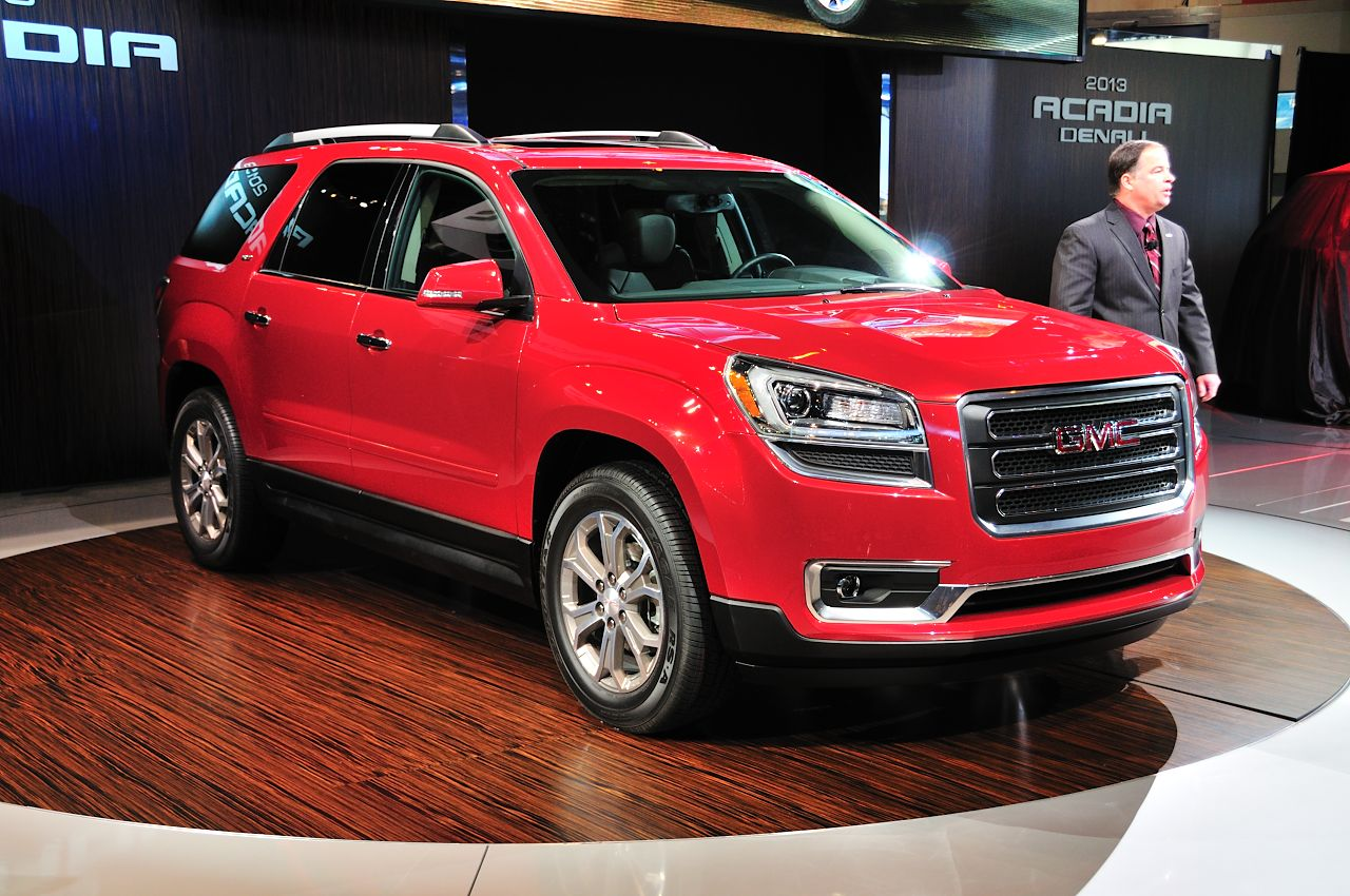 gm confirms discontinued saturn outlook parts used in refreshed gmc acadia. Black Bedroom Furniture Sets. Home Design Ideas