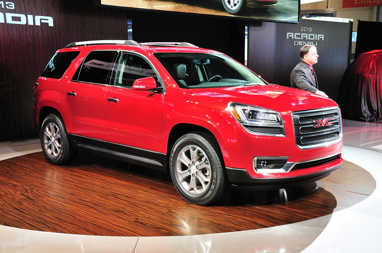 2013 gmc acadia chicago 2012 photo gallery autoblog. Black Bedroom Furniture Sets. Home Design Ideas