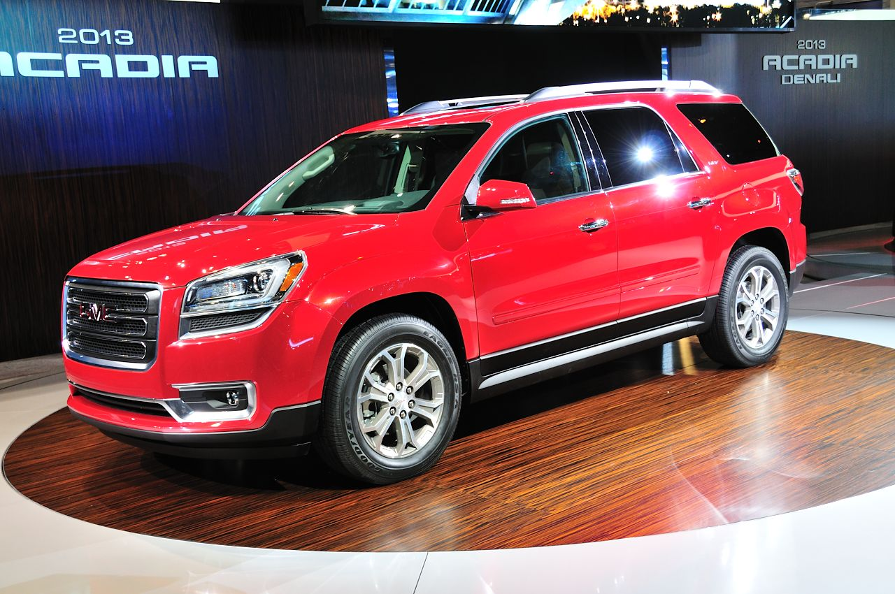 2013 gmc acadia priced from 34 875 autoblog. Black Bedroom Furniture Sets. Home Design Ideas