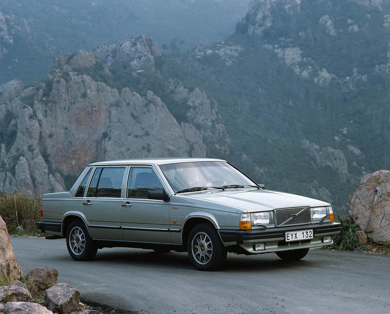 Volvo marks 30th anniversary of the 760 - Autoblog