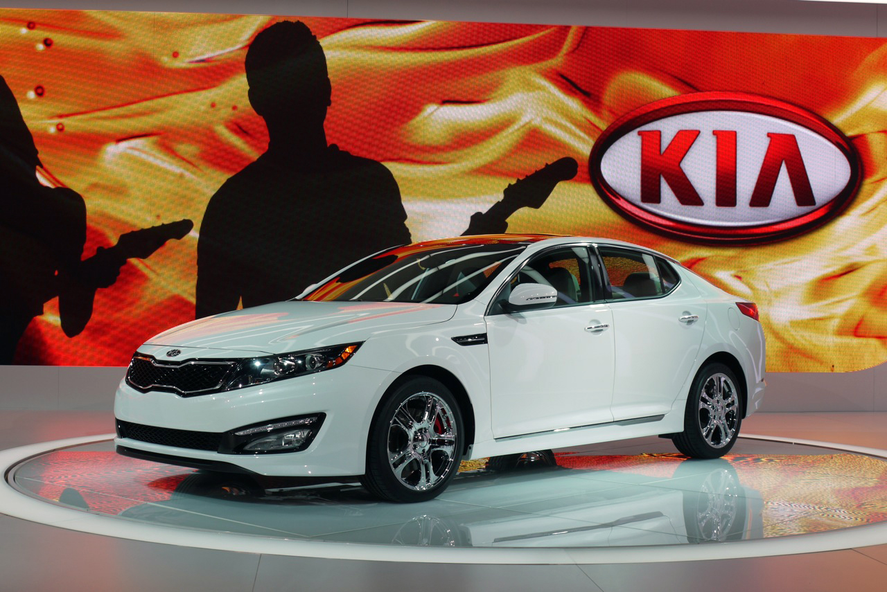 kia prices range topping 2013 optima sx limited from 35 275 autoblog. Black Bedroom Furniture Sets. Home Design Ideas