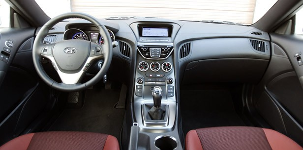 2013 Hyundai Genesis Coupe interior