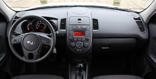 2012 Kia Soul Base 1.6L Eco interior