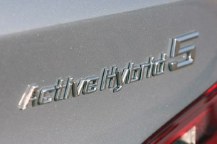 2013 BMW ActiveHybrid 5 badge