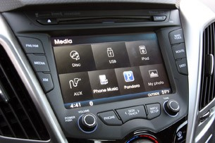 2012 Hyundai Veloster multimedia system display
