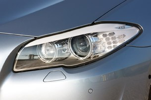 2013 BMW ActiveHybrid 5 headlight