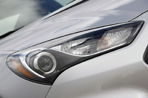2013 Hyundai Genesis Coupe headlight