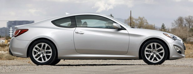 2013 Hyundai Genesis Coupe side view