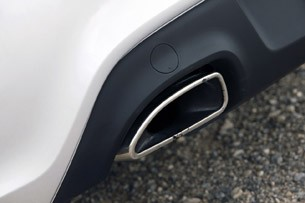 2013 Hyundai Genesis Coupe exhaust tip