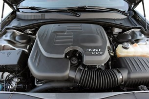 2012 Chrysler 300 S engine