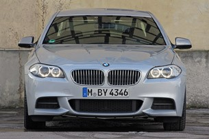 2012 BMW M550d xDrive front view