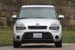 2012 Kia Soul Base 1.6L Eco front view