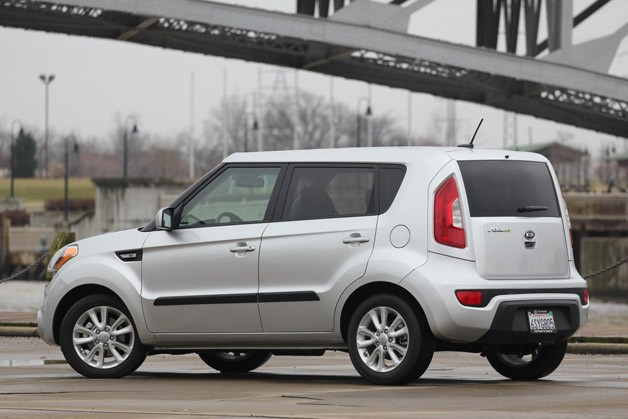 2012 Kia Soul Base 1.6L Eco rear 3/4 view