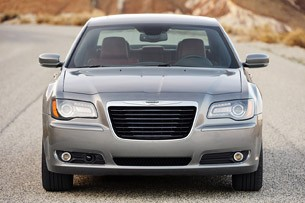 2012 Chrysler 300 S front view