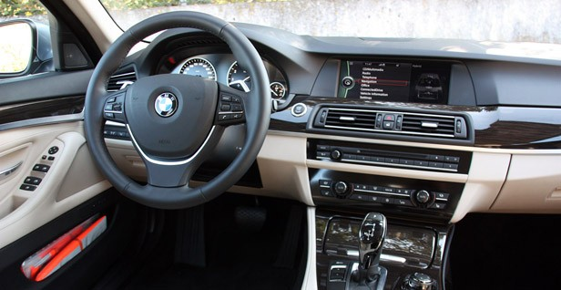 2013 BMW ActiveHybrid 5 interior