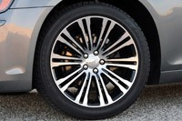 2012 Chrysler 300 S wheel