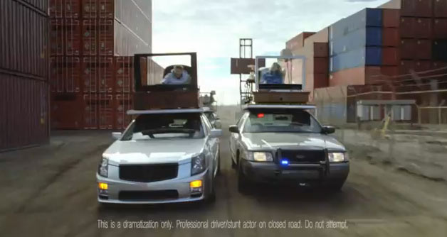 Cadillac CTS-V and Ford Crown Victoria car chase