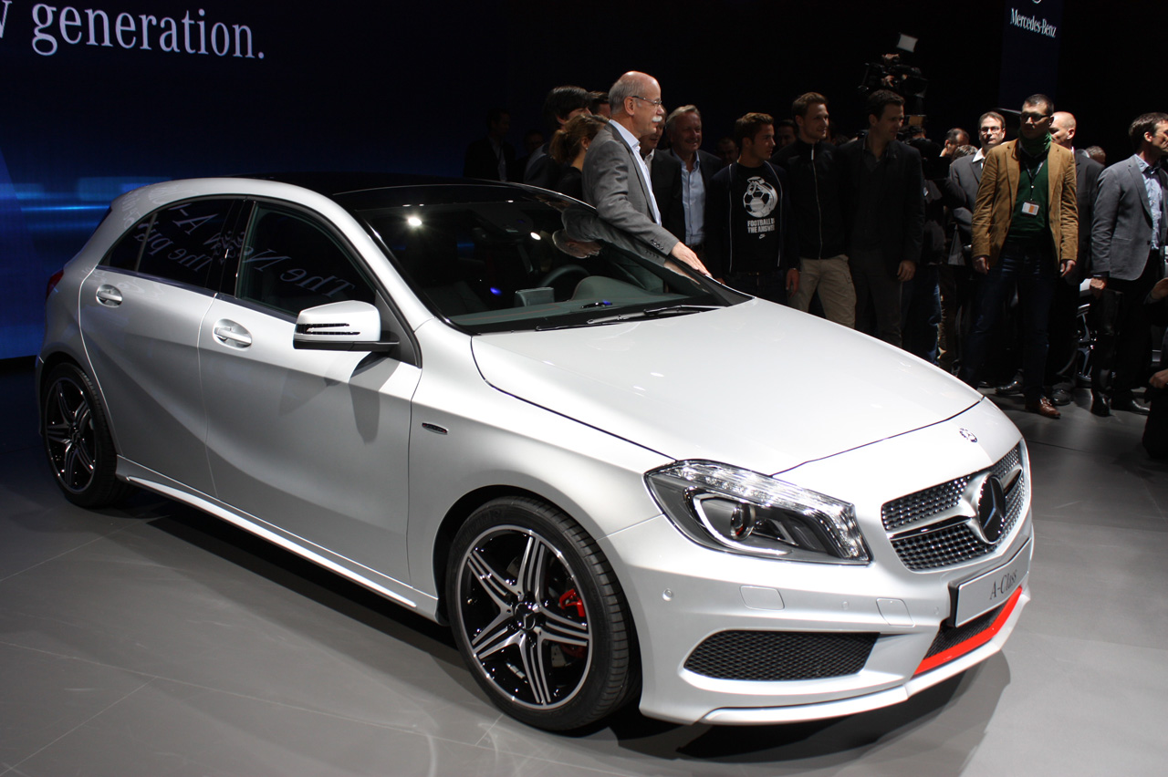 Mercedes benz a class hatches new level of refinement for for Mercedes benz a class