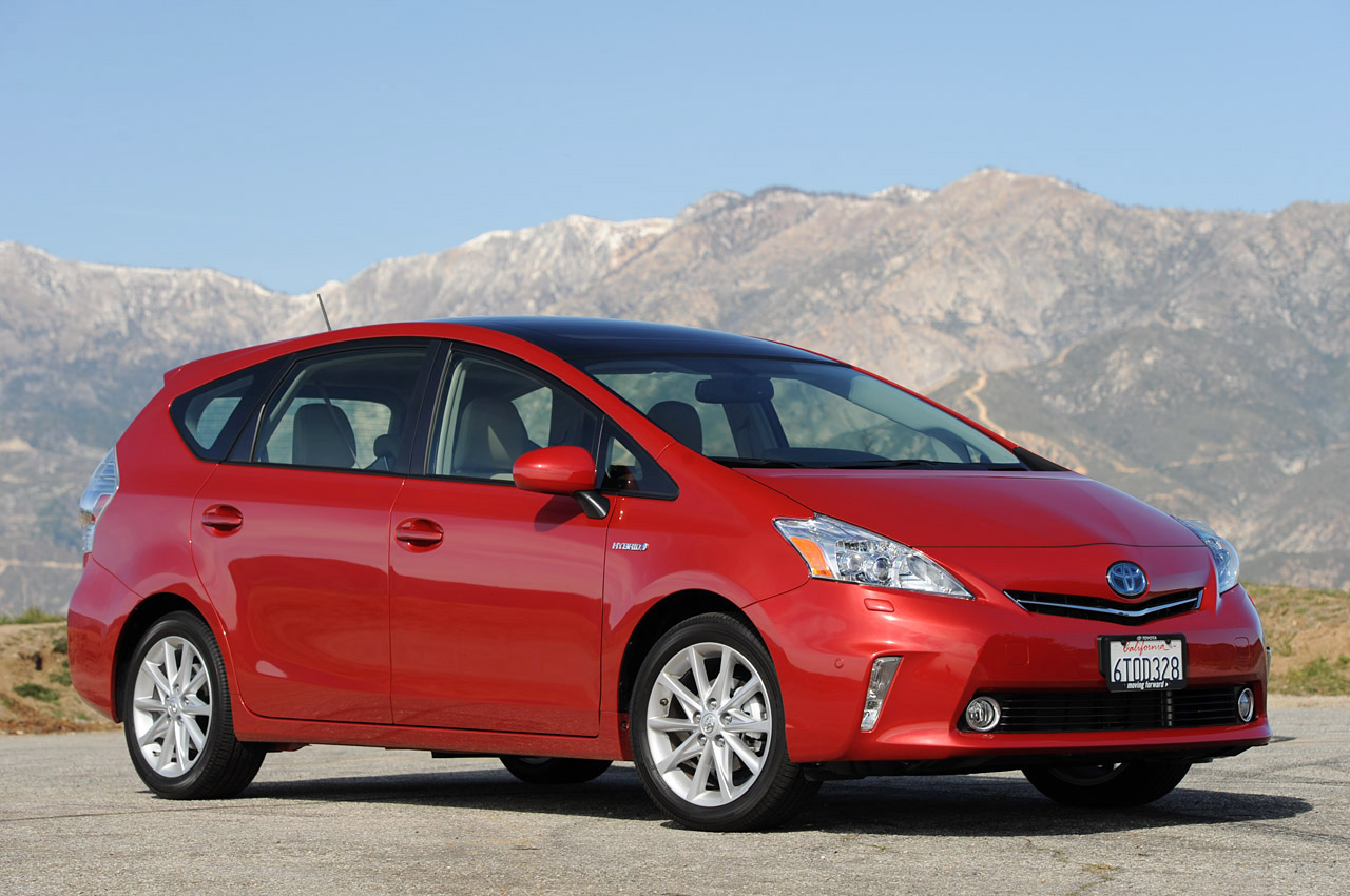 2012 toyota prius v review photo gallery autoblog. Black Bedroom Furniture Sets. Home Design Ideas