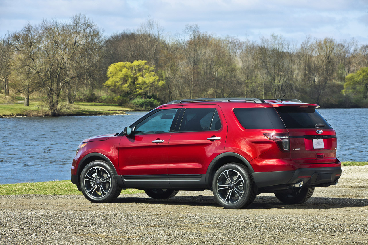 2013 ford explorer sport brings sho like performance to big cuv update wvideo autoblog - Ford Explorer 2012 Black