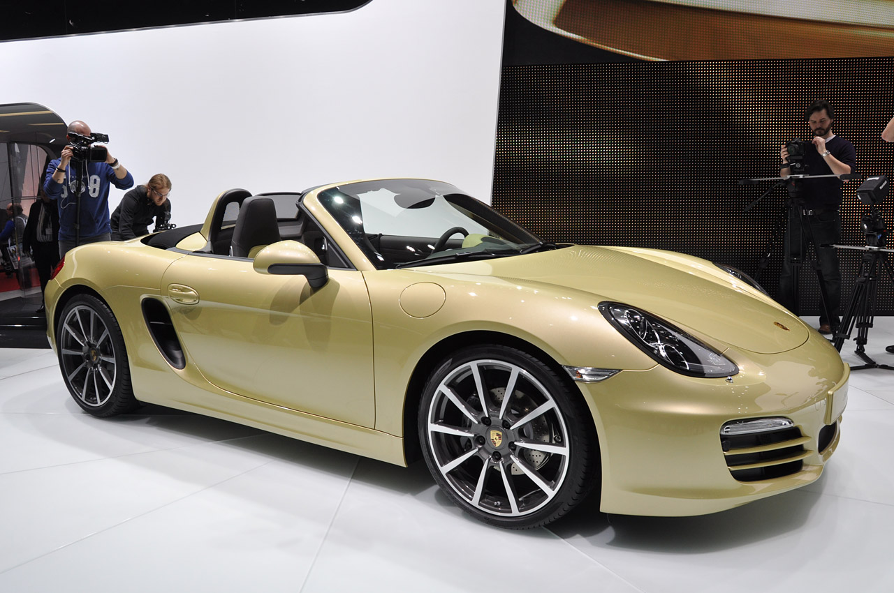 2013 porsche boxster is ready to be your summer fling autoblog. Black Bedroom Furniture Sets. Home Design Ideas