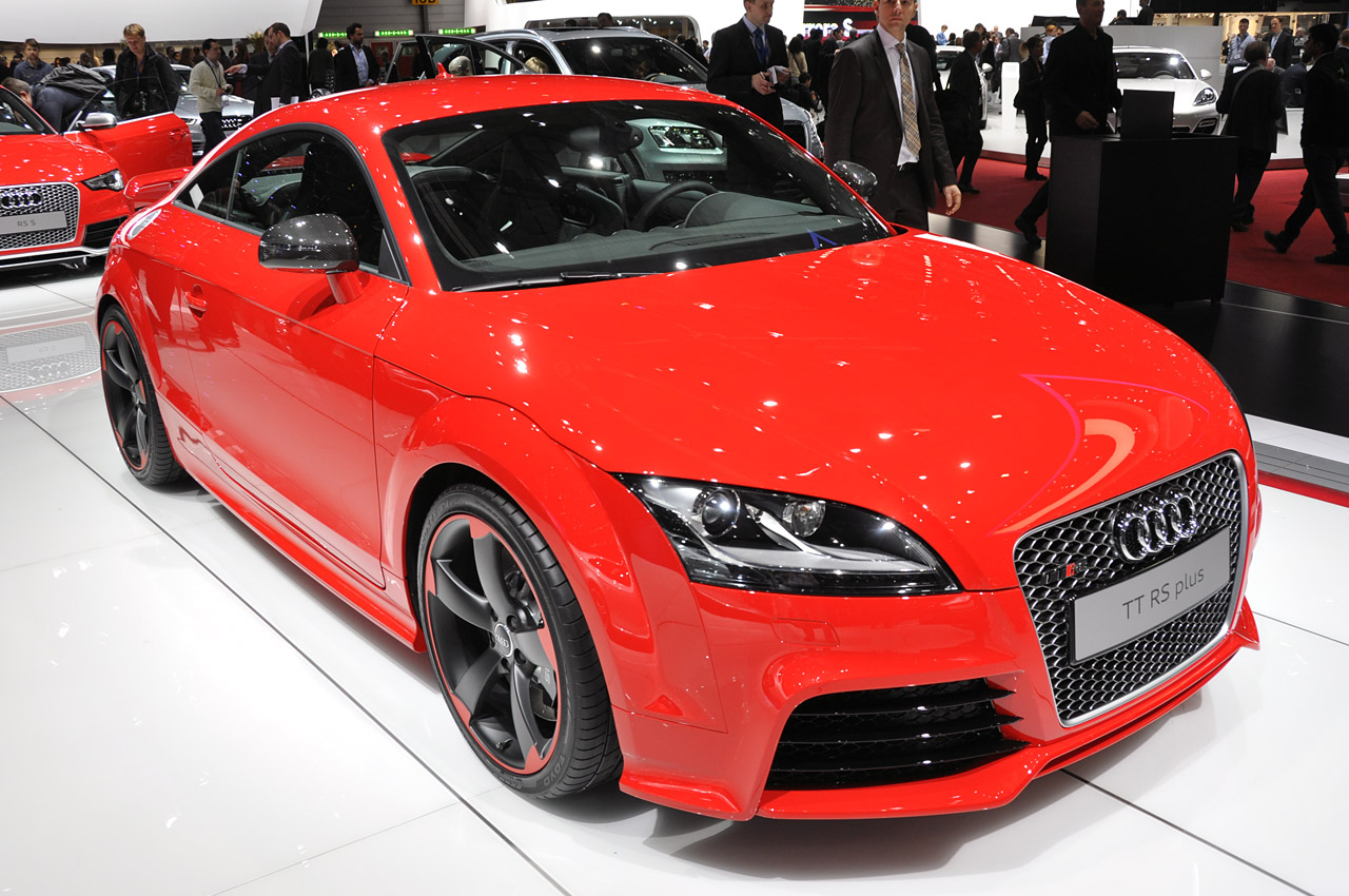 next audi tt rs comes in 2016 manual transmission doesn 39 t autoblog. Black Bedroom Furniture Sets. Home Design Ideas