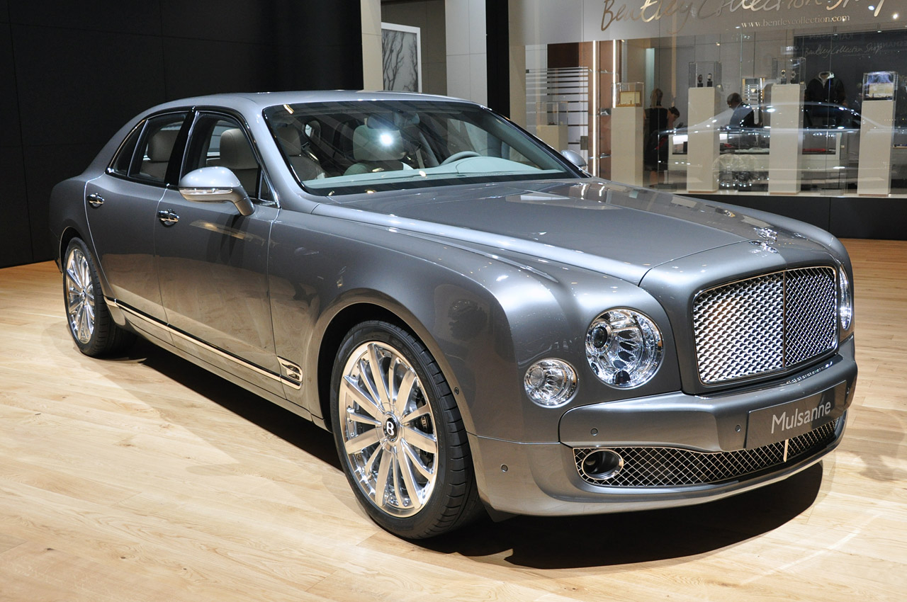 bentley mulsanne mulliner driving specification for when more is not enough autoblog. Black Bedroom Furniture Sets. Home Design Ideas