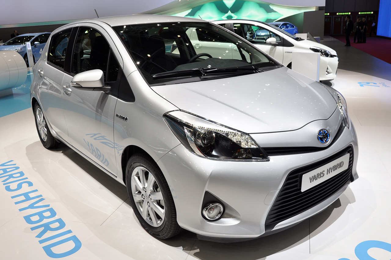 2012 Toyota Yaris Hybrid plays big brother to the Prius C  Autoblog