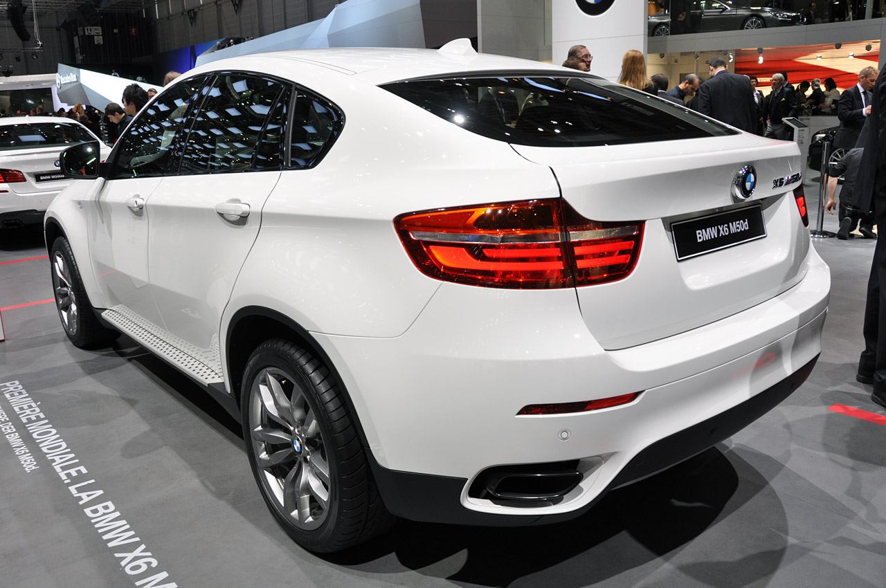 2012 bmw x6 m50d marries diesel performance with. Black Bedroom Furniture Sets. Home Design Ideas