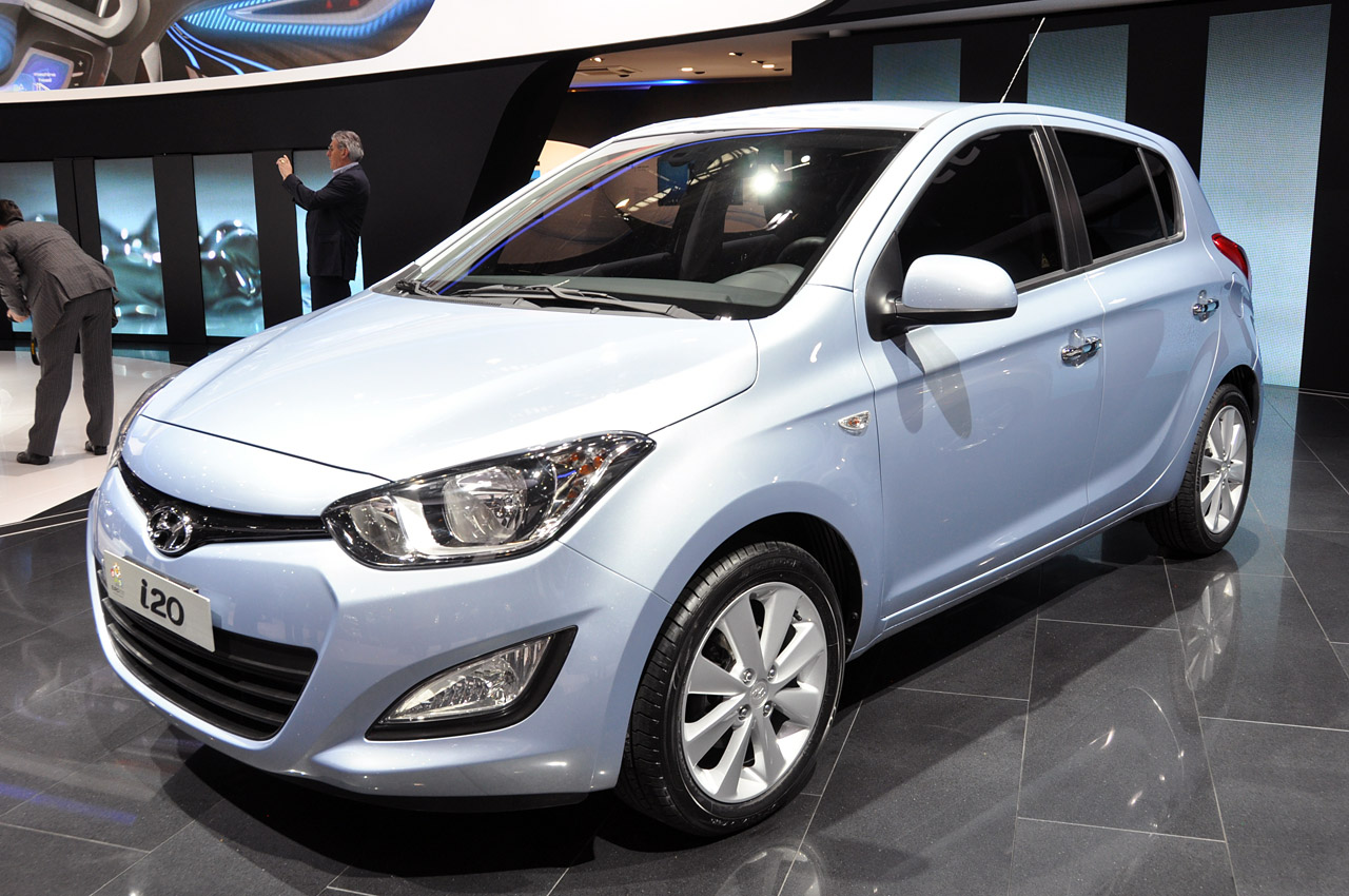 2012 hyundai i20 boasts sleek style top notch efficiency autoblog. Black Bedroom Furniture Sets. Home Design Ideas
