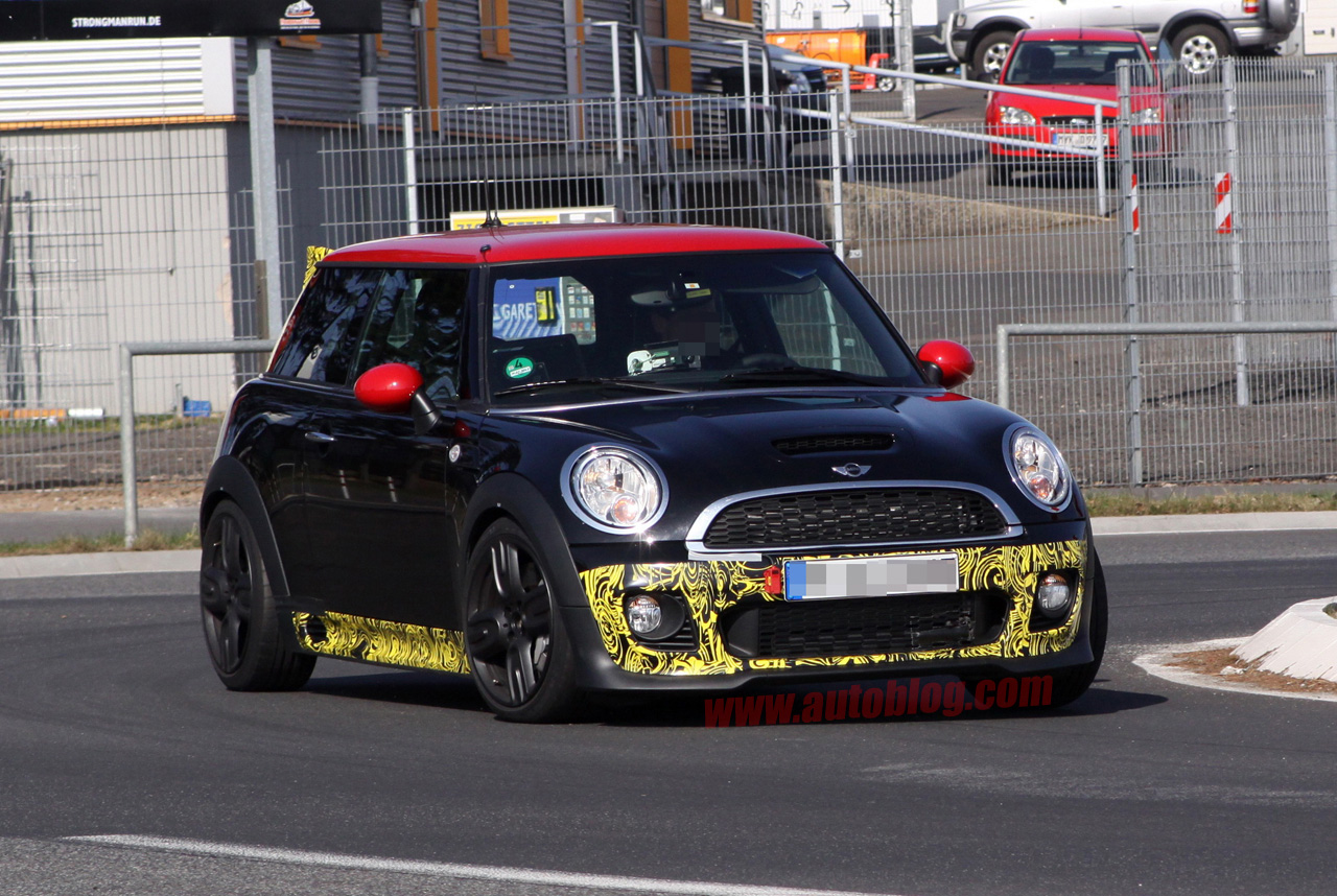 mini cooper s john cooper works gp spotted testing autoblog. Black Bedroom Furniture Sets. Home Design Ideas