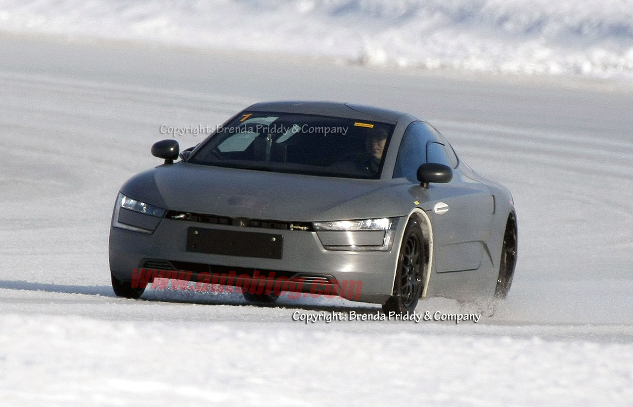 Groundbreaking pre-production Volkswagen XL1 caught testing on the ice - Autoblog