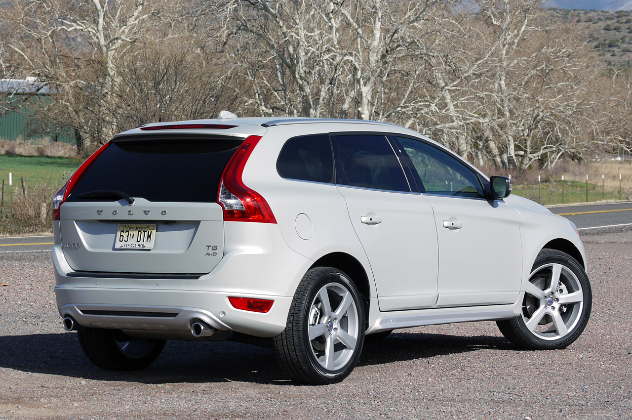 2012 volvo xc60 r design first drive autoblog. Black Bedroom Furniture Sets. Home Design Ideas