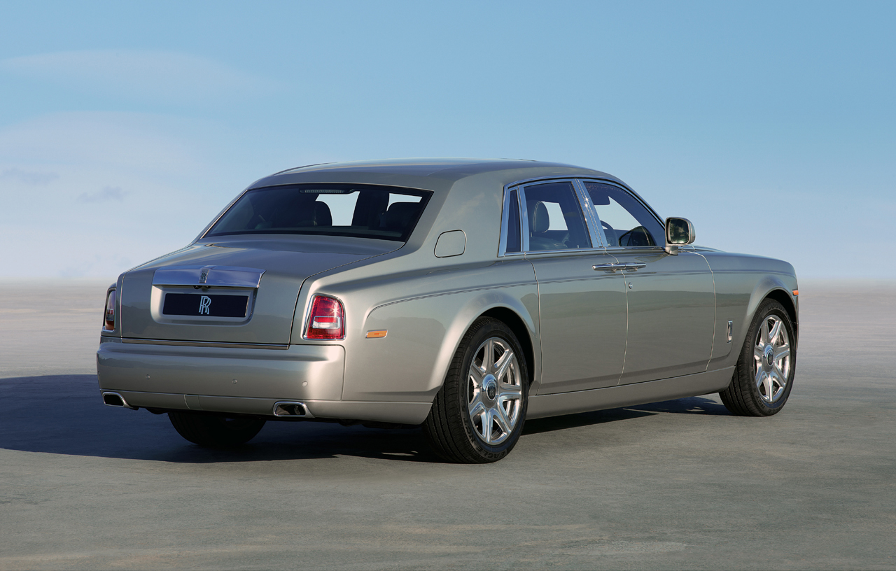 rolls royce phantom to soldier on through 2020 autoblog. Black Bedroom Furniture Sets. Home Design Ideas