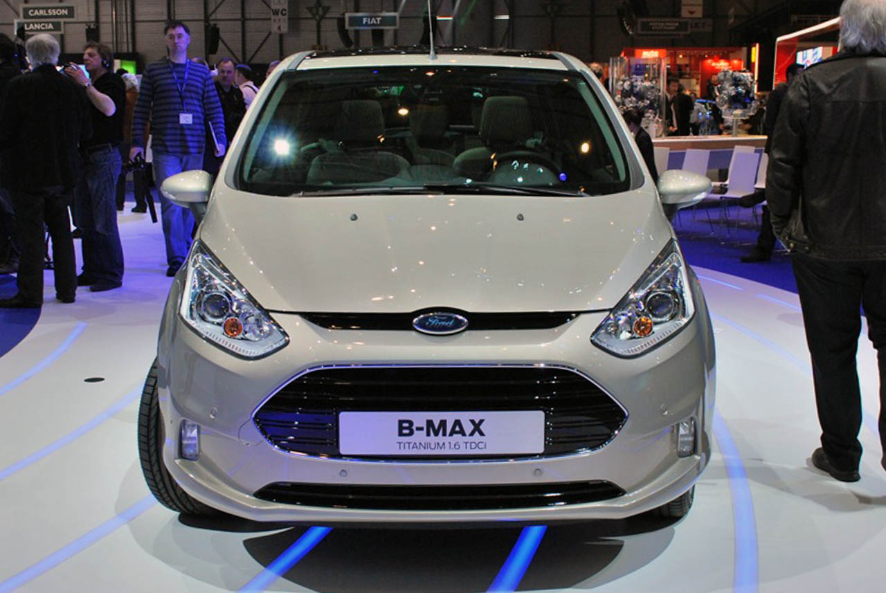 2012 ford b max spreads its little wings over europe autoblog. Black Bedroom Furniture Sets. Home Design Ideas