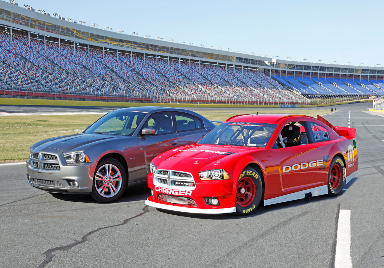 2013 NASCAR Dodge Charger Sprint Cup Car Photo Gallery - Autoblog