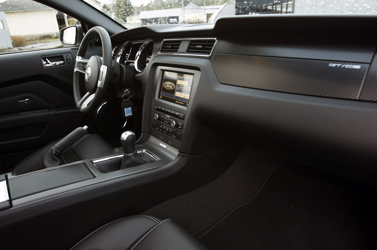 Displaying 19 gt images for ford mustang 2013 interior