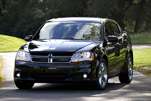 2012 Dodge Avenger front three-quarter view