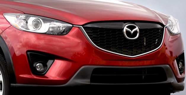 2013 Mazda CX-5 front end closeup