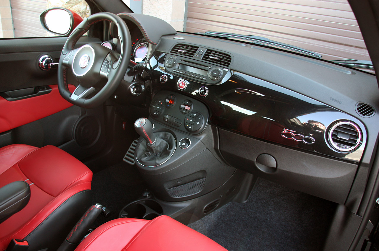 2012 fiat 500 abarth first drive photo gallery autoblog for Interior 500 abarth
