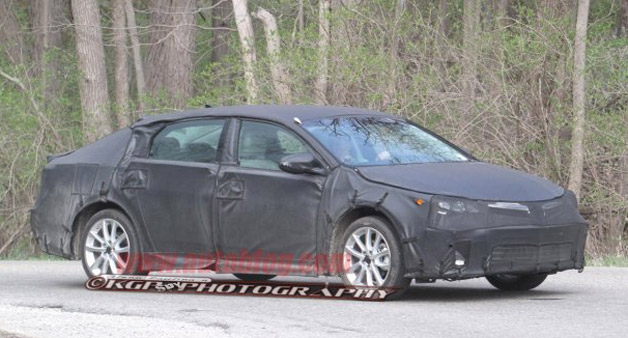 Next Toyota Avalon spied wearing its sleek new shape