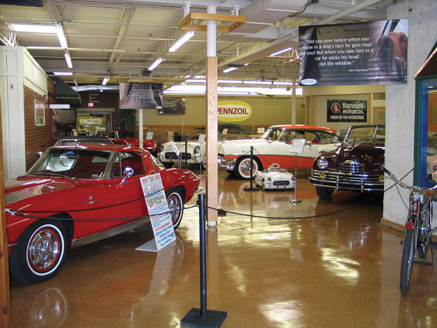 Branson Auto Museum displays